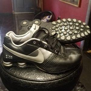 Nike Shox Black/Silver size 8.5
